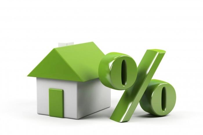 Рынок жилищного кредитования в России просел почти на треть