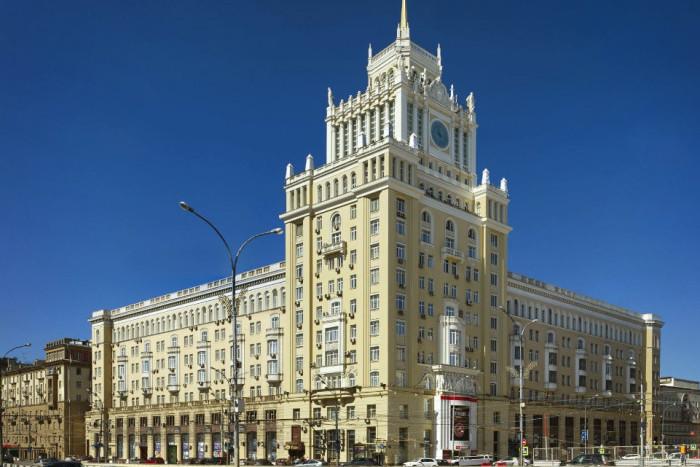 """В гостиничном комплексе """"Пекин"""" установили новые лифты и модернизировали фитнес-зал"""