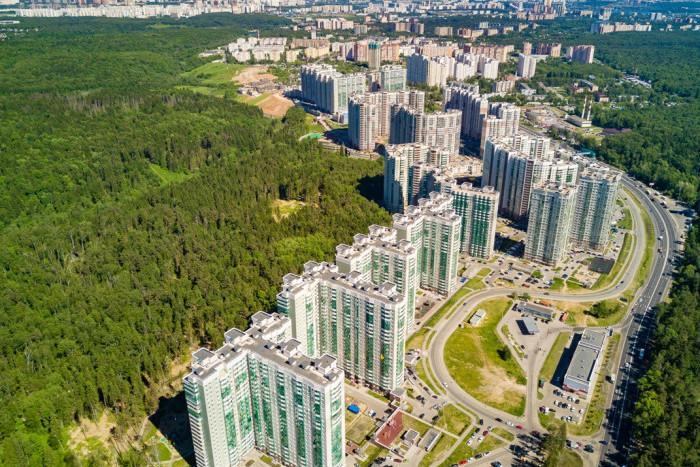 """На рынок выведены новые квартиры жилого комплекса """"Изумрудные холмы"""""""