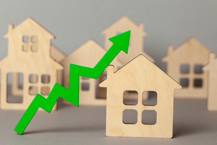 В мае топовые банки подняли ставку по ипотеке без господдержки